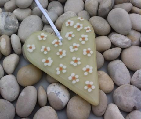 Daisy heart cream