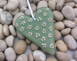 Daisy heart soft green